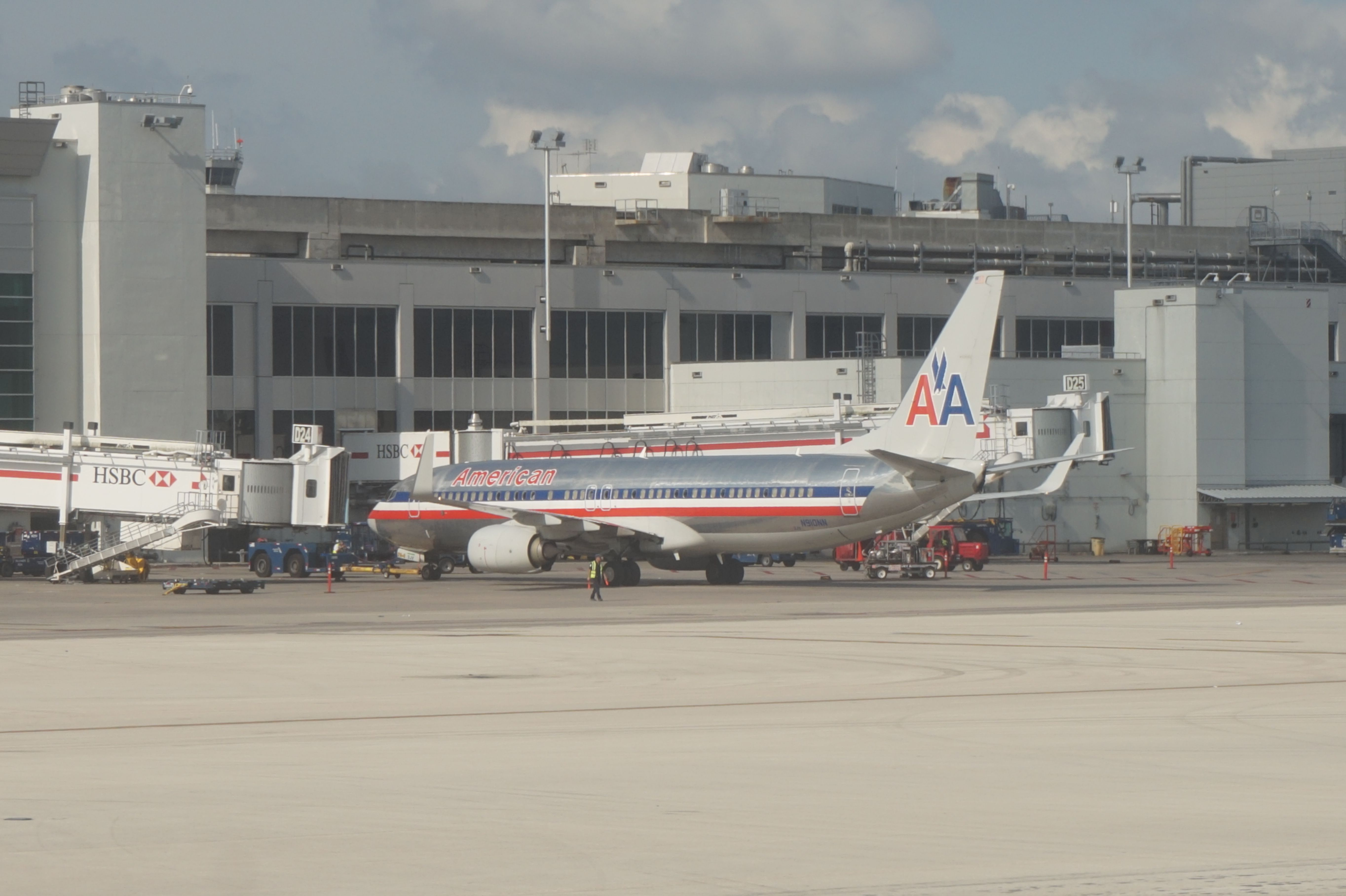 American Airlines B737 At Miami International Airport In The Old Logo Painting Miami International Airport American Airlines Old Logo