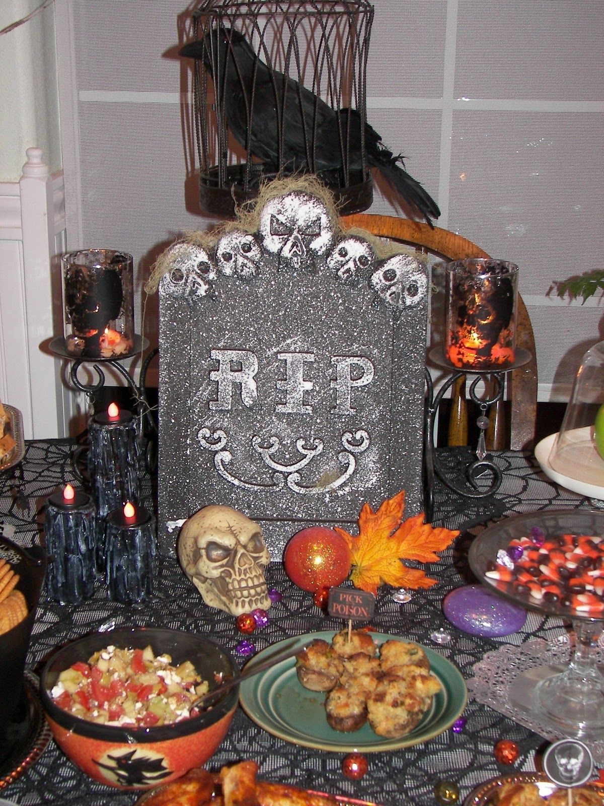 Halloween buffet table - Halloween Food Tables This Was The Centerpiece Of The Buffet Table It S
