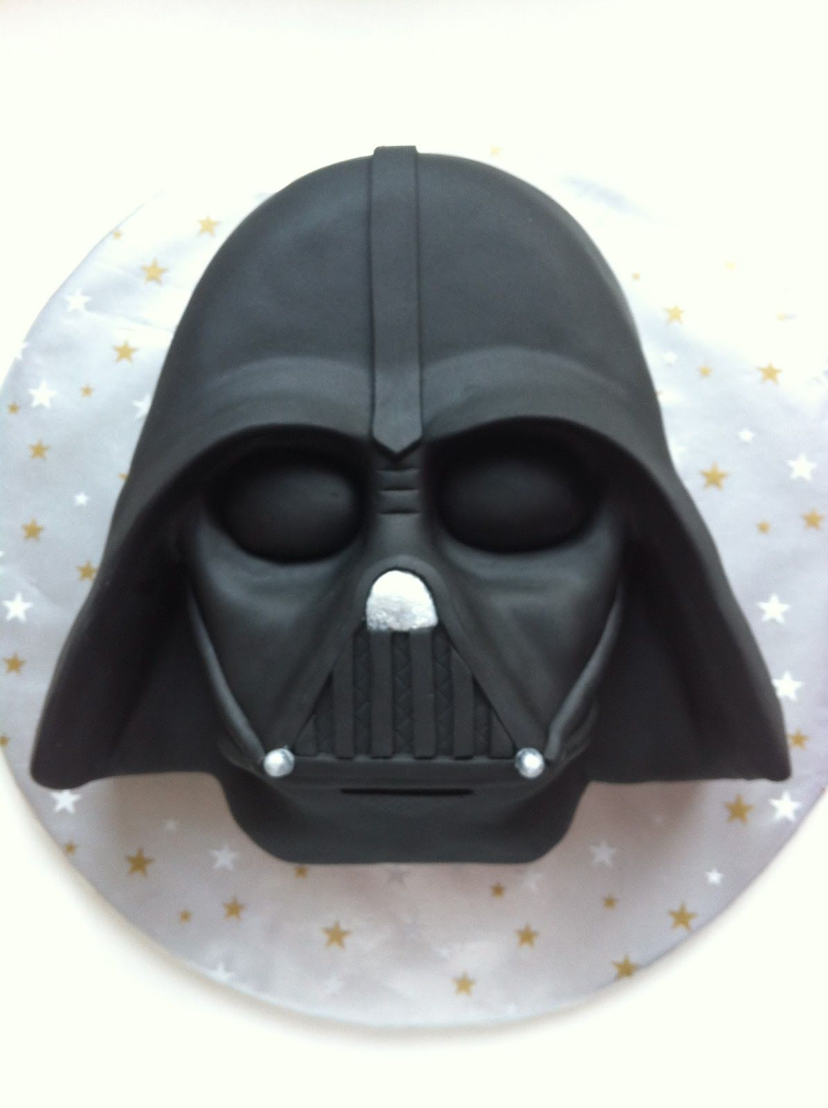 Darth Vader Kuchen Pin By Tiffany Gallagher On Cake Decorating Star Wars