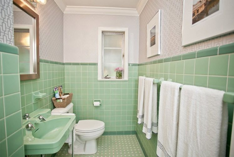 Mom And Dad Moved Into A Split Level In The Late 70s That Was Built In 1958 The Upstairs Bathroom Was Green Bathroom Green Tile Bathroom Green Bathroom Decor