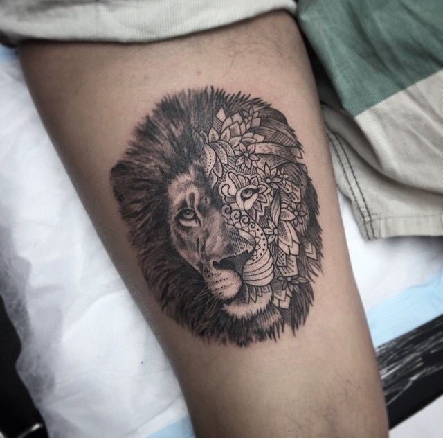 Lion Tattoo With A Feminine Side Tattoos Thigh Tattoo Beautiful Tattoos