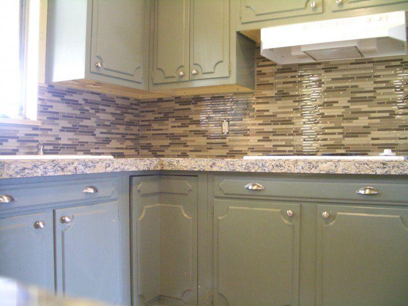 Kitchen Granite Tile Countertop And Glass Backsplash Finish 1, 800x600 In  76.4KB
