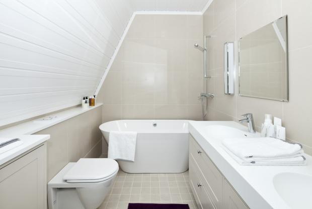Kannustalon Aarre - Yläkerran kylpyhuone