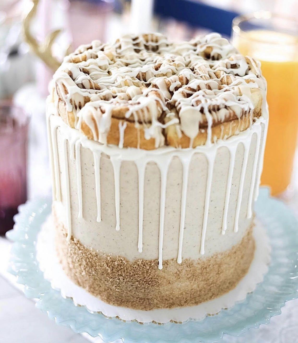 Cinnamon Roll Cake | living beautahfully
