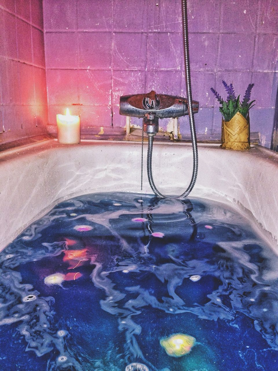 how to use a bath bomb in the shower