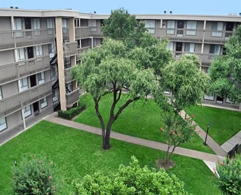Harvard Square Apartments In Dallas, Texas. 1 U0026 2 Bedroom Apartment Homes.  Just