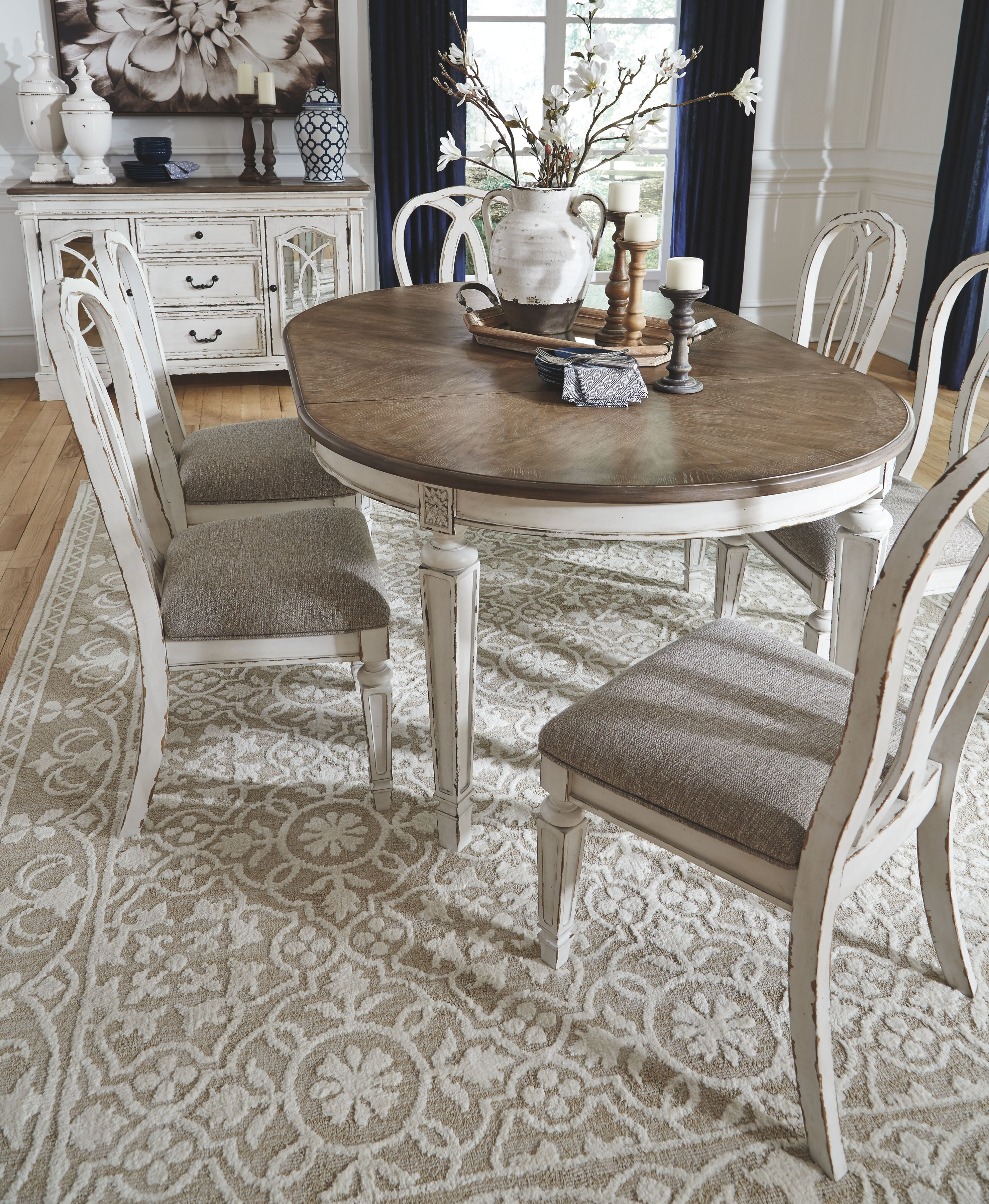 Realyn Dining Room Chair (Set of 2), Chipped White