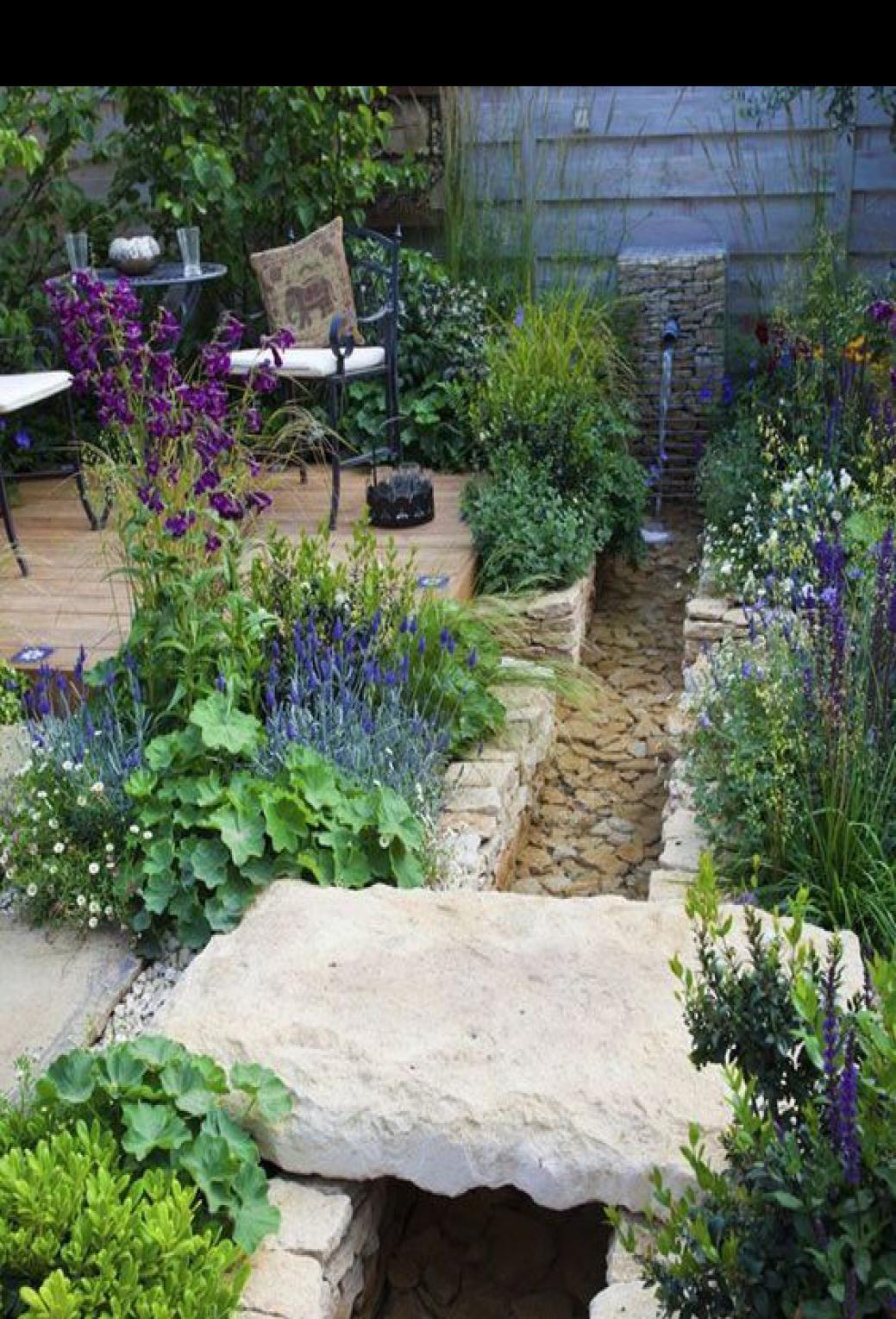 48 Cheap And Beautiful Diy Planters Ideas For Beautiful Garden In 2020 Backyard Landscaping Beautiful Gardens Natural Garden