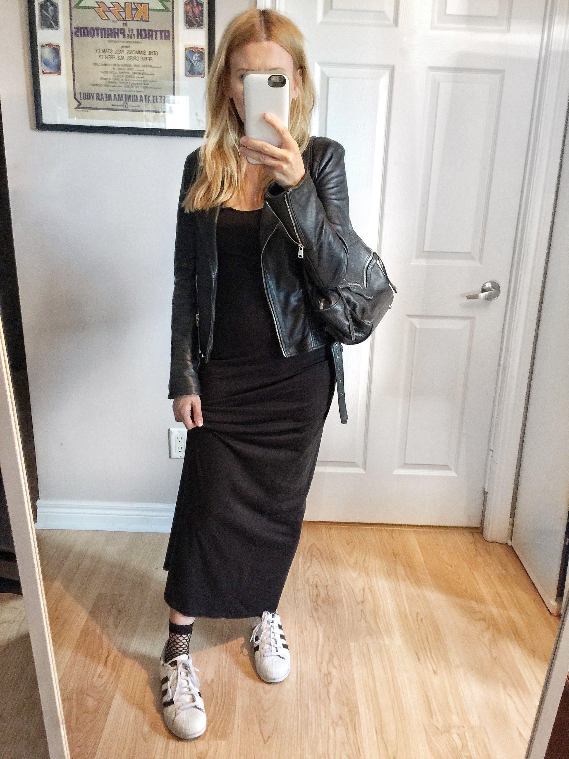 Black Maxi dress+black leather jacket+black fishnet socks+white  sneakers+black backpack. Fall Casual Outfit 2017 68e8943f34