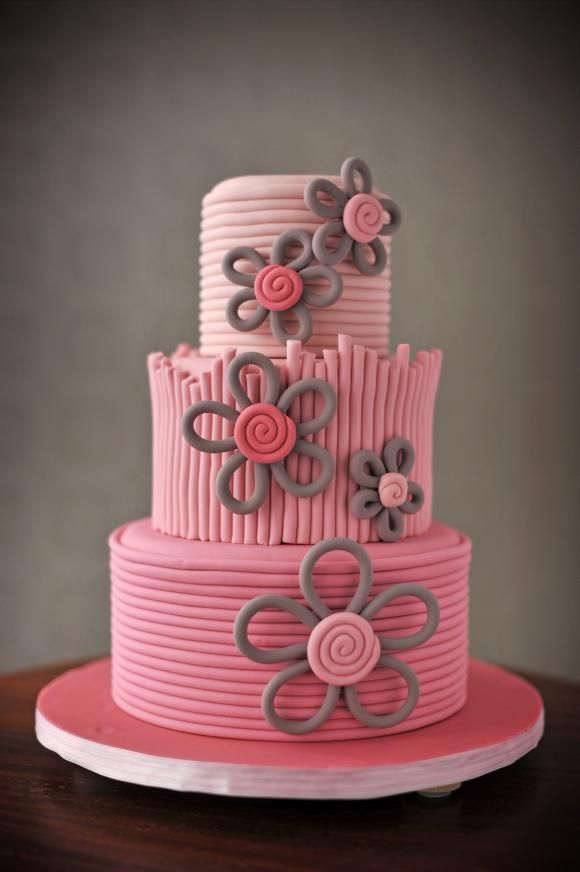 This Would Be So Cute For A Little Girls Birthday Cake Party