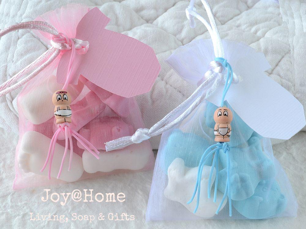 ddf8c3fe0088c6 Baby snoepjes in een zakje met label en gelukspoppetje ...