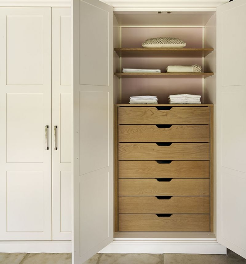 Shaker bedroom wardrobes and bedroom furniture designe - Bedroom storage cabinets with drawers ...