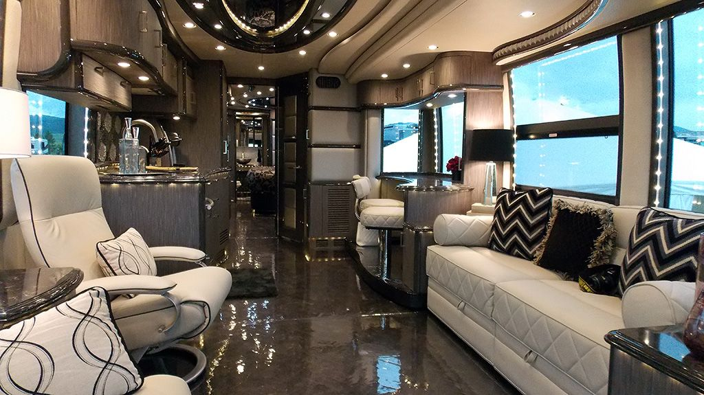 The best of sturgis rvs pictures mega rv countdown for Rv square footage