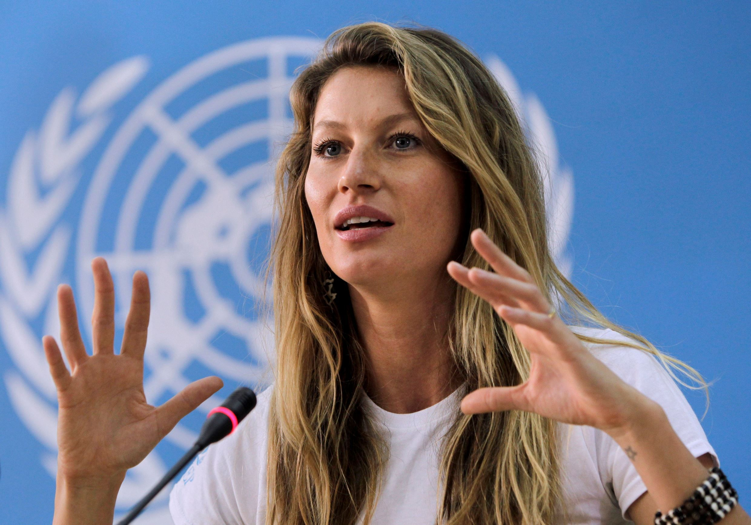 Best of Gisele Bündchen:Press conference at the UNEP headquarters in Nairobi in January 2012.