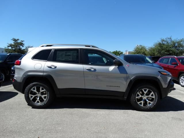 789 New Cdjr Cars Suvs In Stock With Images Jeep Cherokee Trailhawk Jeep Cherokee 2015 Jeep