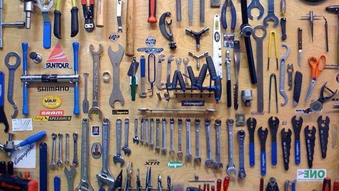 Organisez Votre Atelier Et Ameliorez Le Rangement Du Garage Garage Atelier Rangement Outils Et Rangement Garage