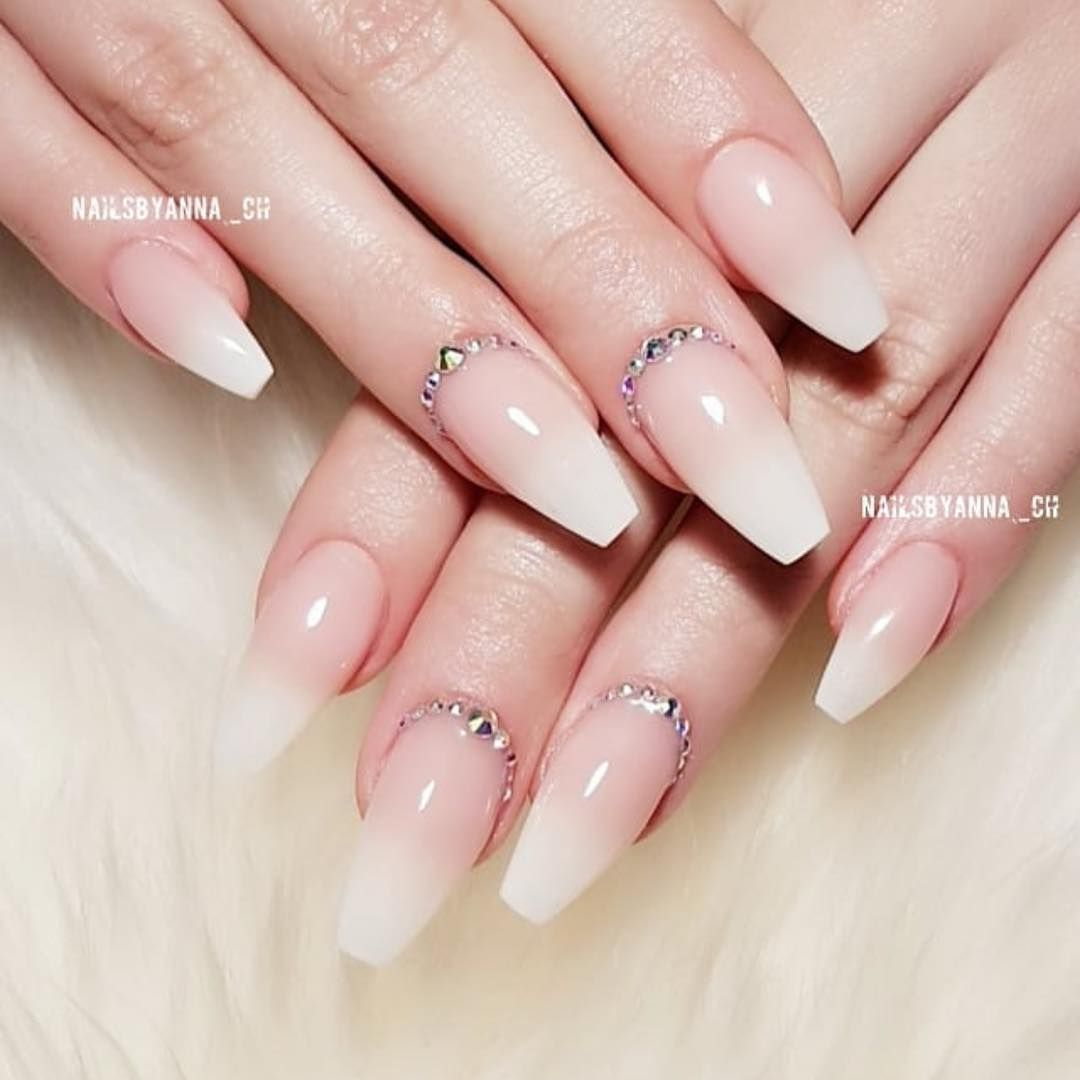 Beautiful wedding nail art ideas for your big day