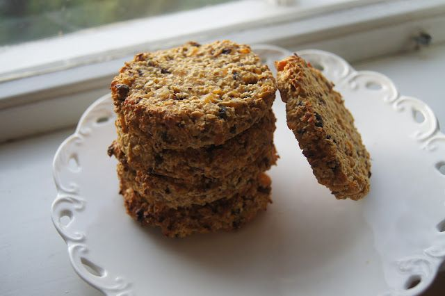 Just posted my new and improved recipe for #healthy #vegan and #gluten-free #apricot #oatmeal #cookies!