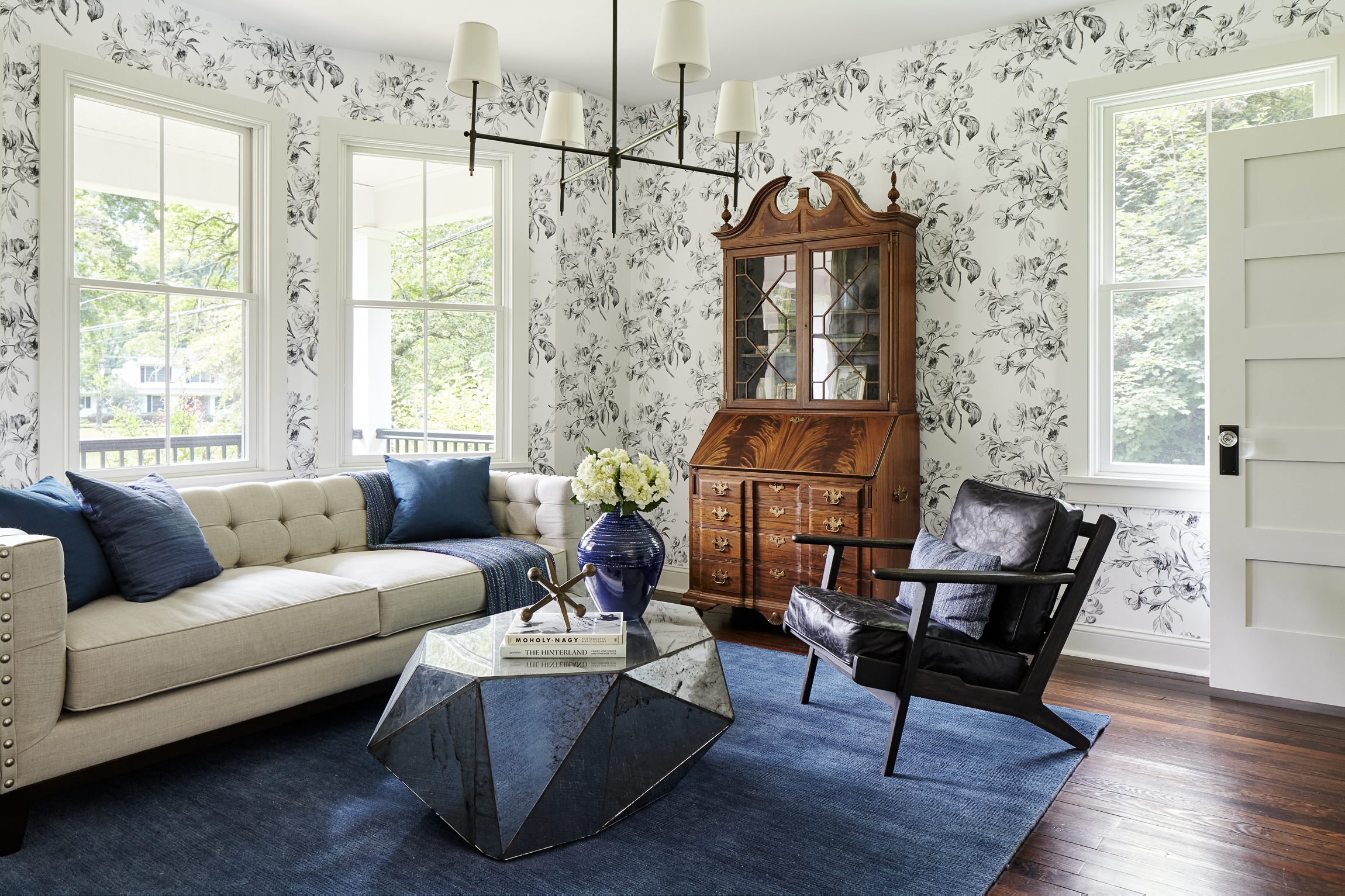 Formal Sitting Room With Patterned Floral Wallcovering And Original Wood Flooring Wallpaper Living Room Unique Living Room Wallpaper Living Room