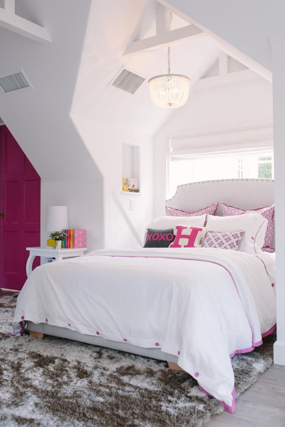 This White Walled Girl S Room Is Loaded With Architectural
