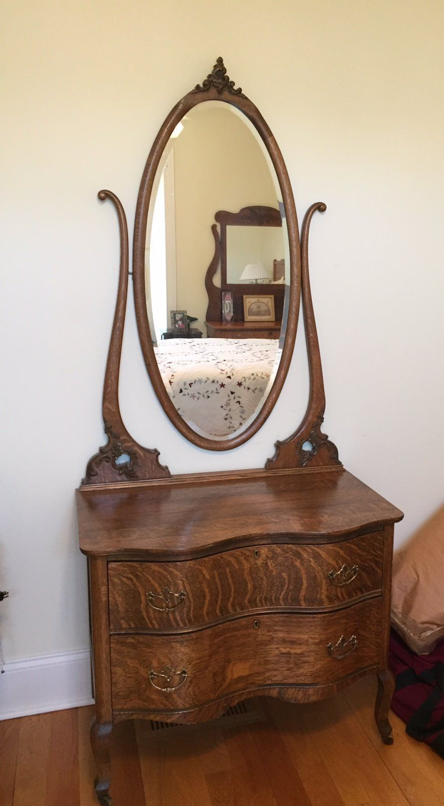 Antique American Golden Oak Dresser With Oval Mirror Quartersawn