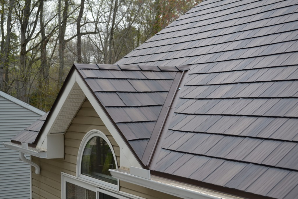 Comparing Metal Roofing Metal Shake Vs Metal Slate News And Events For Global Home Improvement In 2020 Metal Roof Houses Metal Shingle Roof Metal Roof Cost
