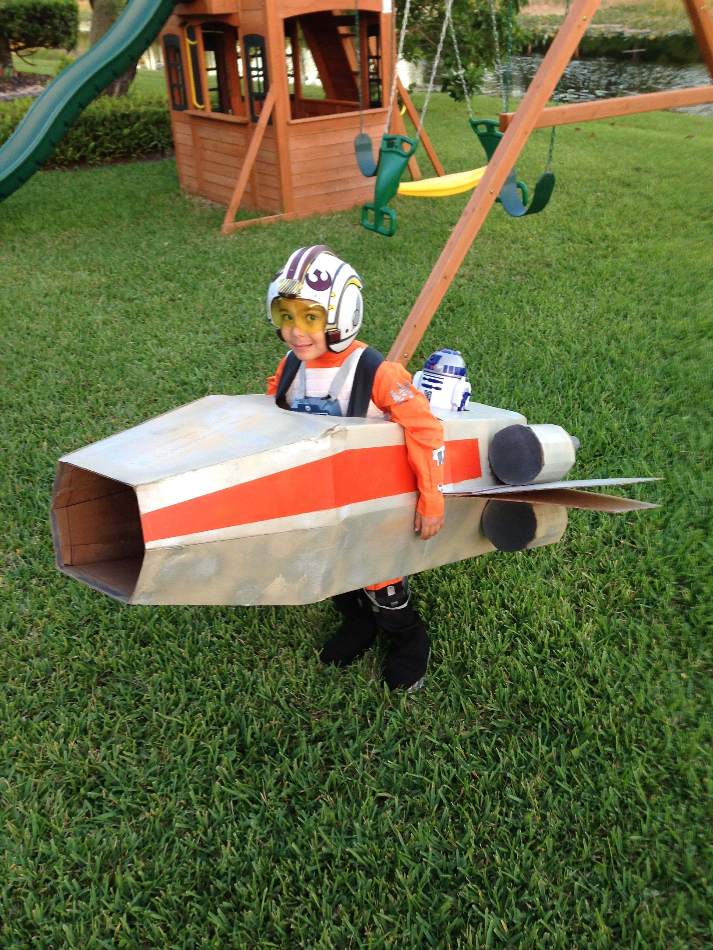 X wing space ship handmade with cardboard from boxes cfa