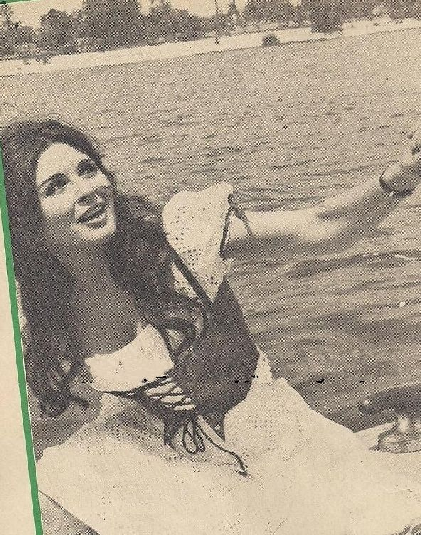 Pin By Mai Abaza On Photo Session 5 Egyptian Beauty Egyptian Actress Old Pictures