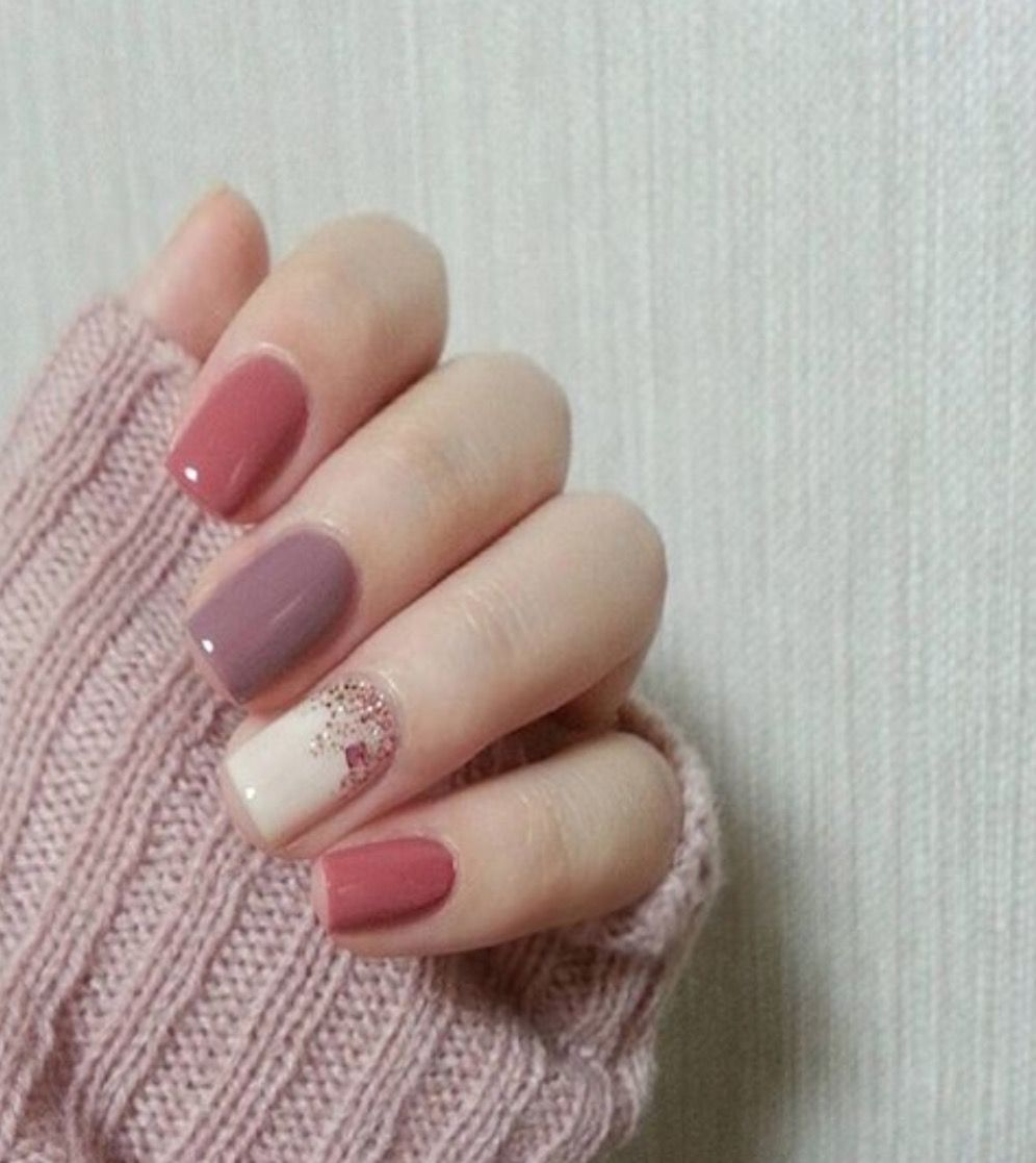 Trendy Nails 2017 Sparkle Glitter Nails Nail Art Nail Ideas Nail Designs Trending Mauve Pink White Purple Cla Nails Simple Nails Pretty Nails