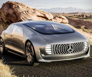 فيديو إنزال سيارة مرسيدس بنز F 105 الخرافية من شاحنة التحميل Futuristic Cars Benz Mercedes Benz