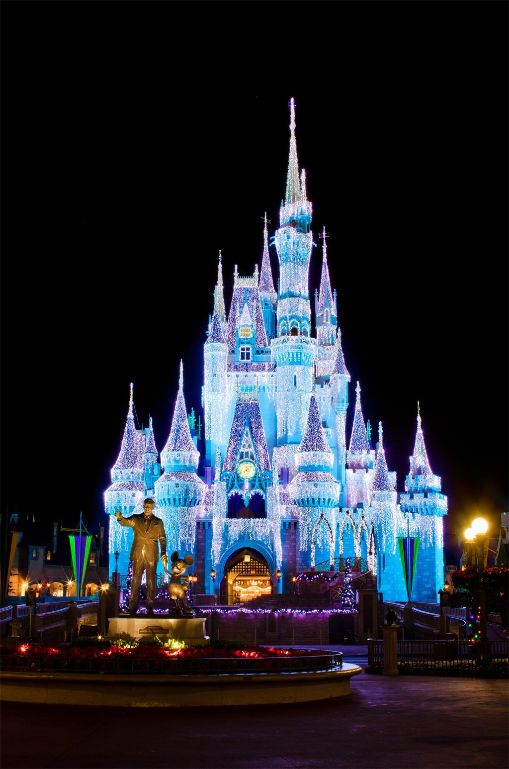 Images of disney world at christmas