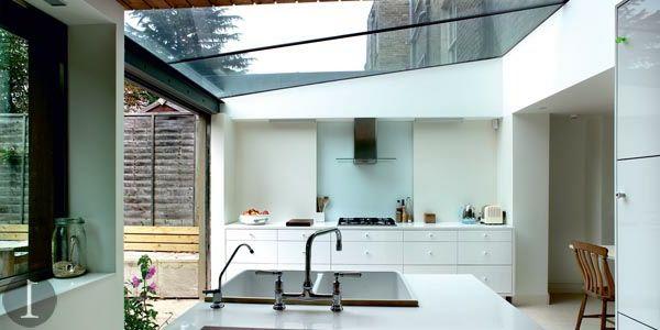 Une verrière de toit apportera la lumière à votre maison! Verandas - maison avec toit en verre