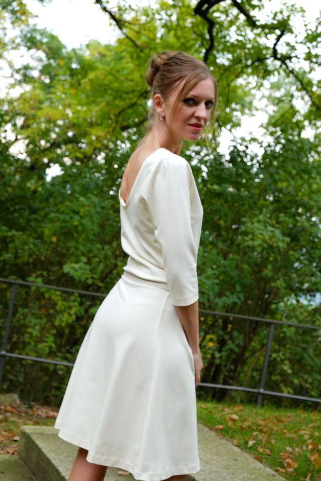 Brautkleid Delilah cremeweiß ecru   Etsy   Brautkleid