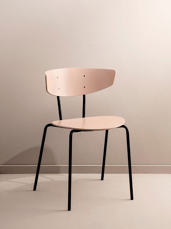 Herman Chair - Rose 2