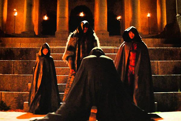 #Dominion Did I suddenly trip into Star Wars? It's the black capes. Sith Lord