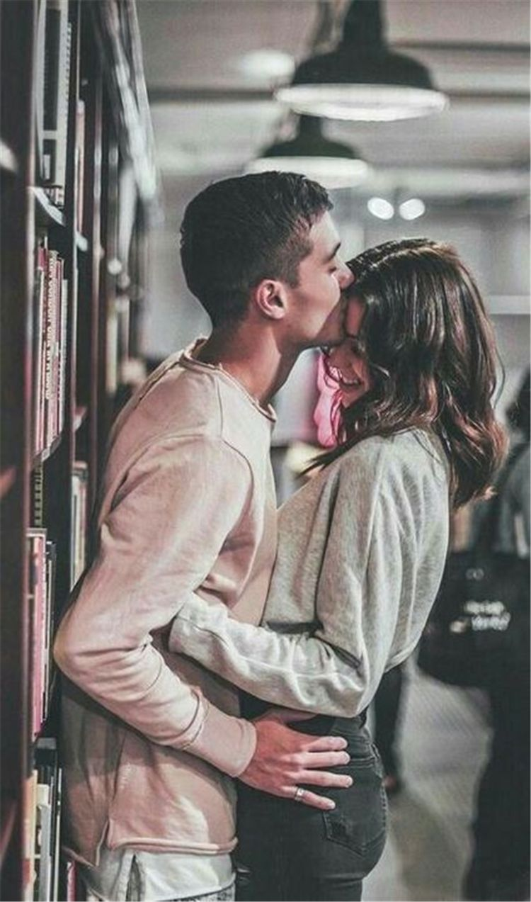 Romantic Couple Pose Ideas For Photography You Must Know; Relationship; Lovely Couple; Relationship Goal; Cute Couple; Love Goal; Dream Couple; Couple Goal;