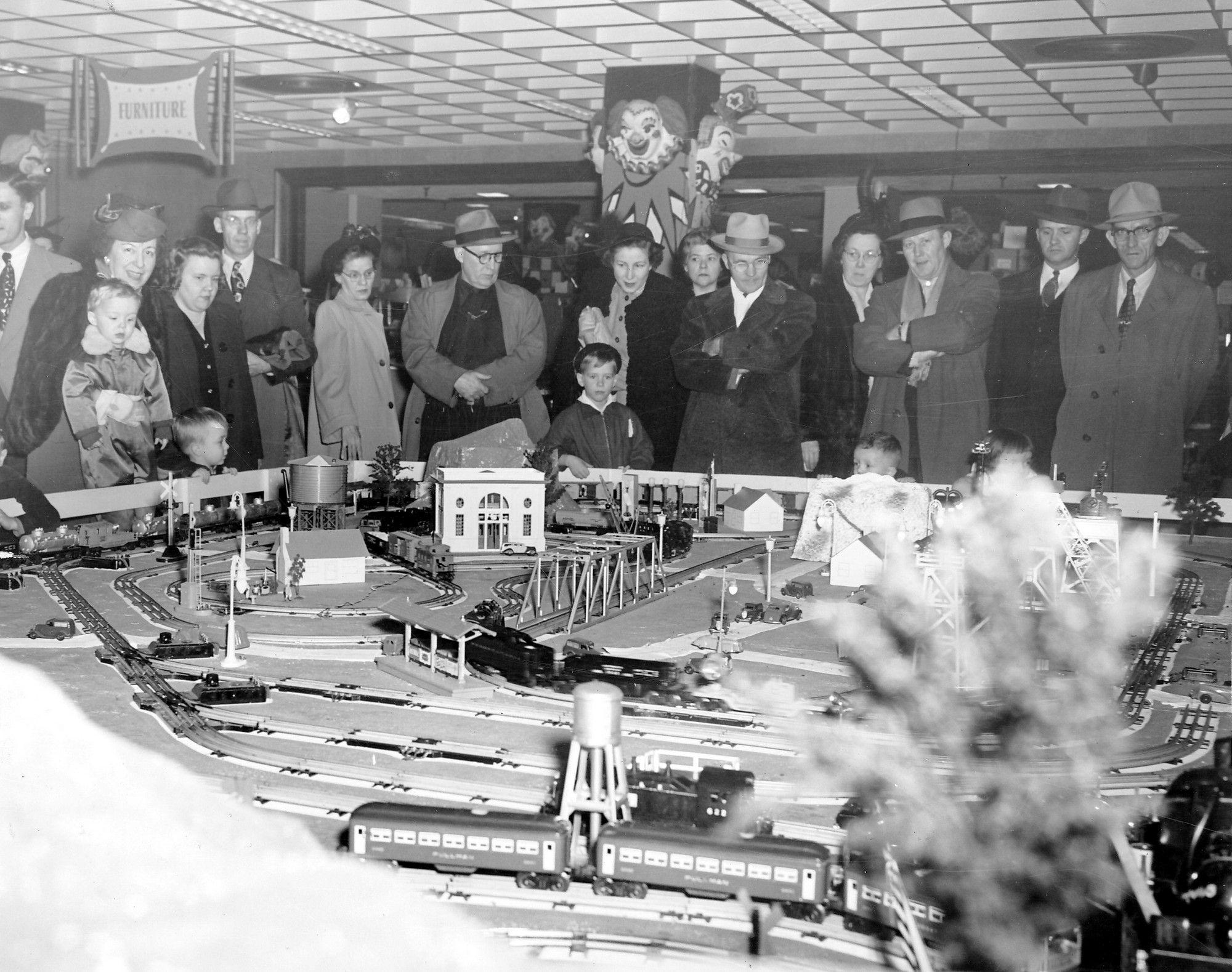 Christmas In Columbus Ohio 2019 Vintage Department Store Toy Train Memories in 2019 | Lazarus