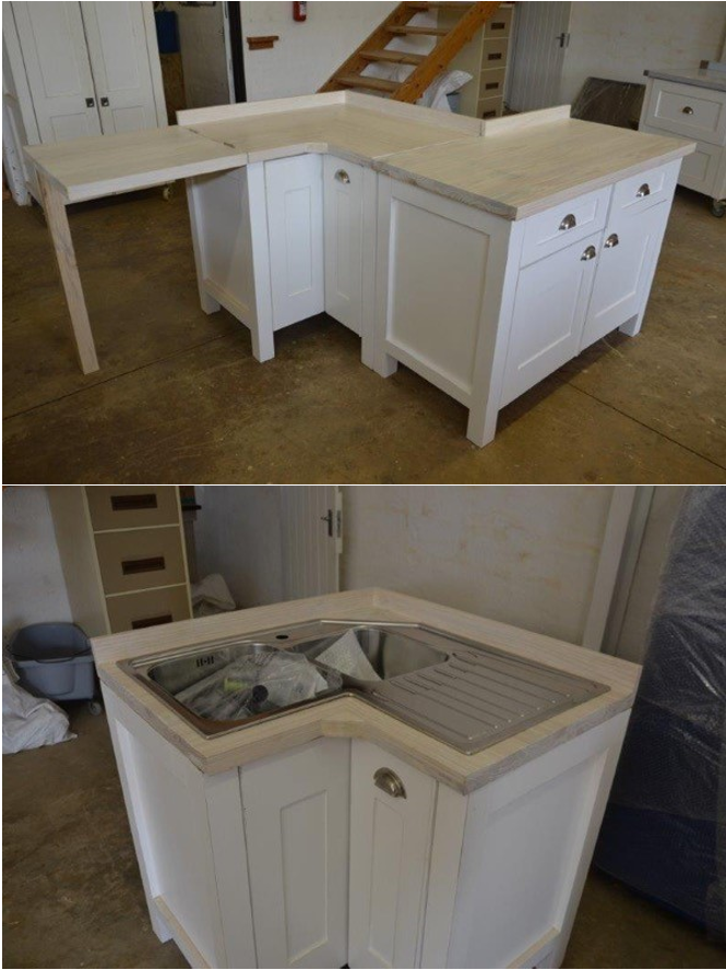 Cleverly Designed Corner Unit For A Small Kitchen With Space On The Left For A Washing Machine Free Standing Kitchen Units Kitchen Units Kitchen Corner Units