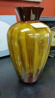 Lots of wonderful gift ideas in store, check out this fabulous gold coloured vase $30 #collingwood #homedecor #deal