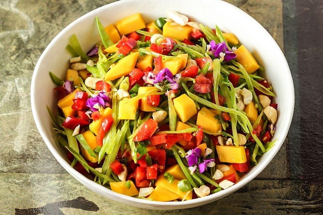 تعلمى طريقه سلطة المانجو بالمكسرات وحبة البركة المانجو من الفواكه المحببة في فصل الصيف ويمكن Salad Recipes Healthy Vegetarian Mango Salad Stuffed Peppers