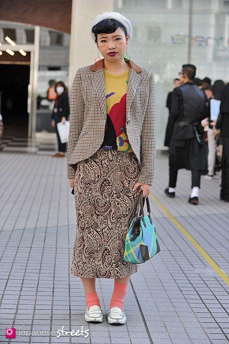 (1940s) retro geek - 121103-2885 - Japanese street fashion in Shibuya, Tokyo
