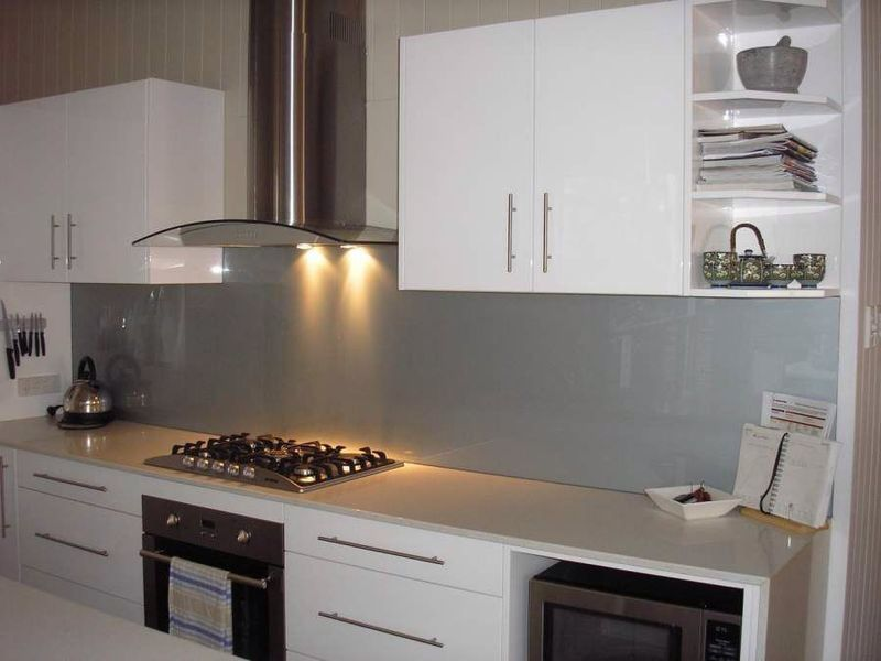 Dulux satin silver splashback | Projects to Try | Kitchen ...