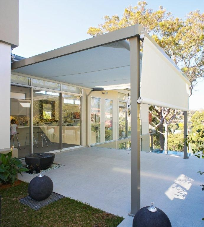 Retracting Awning With Frame And Poles With Detachable Side Screen This Awning Can Be Made With A Manual Or Motorised O Pergola Shade Outdoor Awnings Pergola