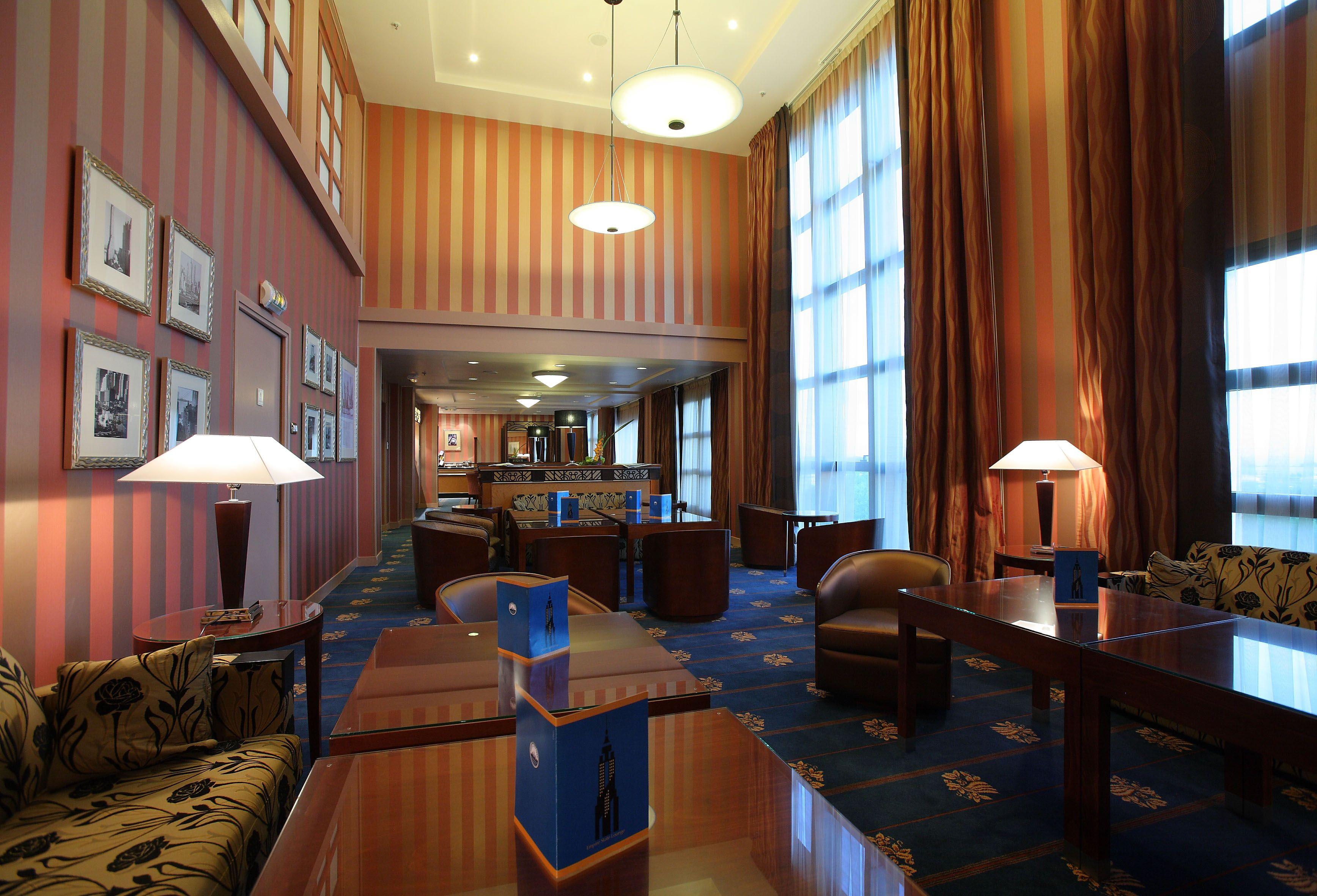 Disney Hotels Hotel New York Empire State Club Lounge Disneyland Paris