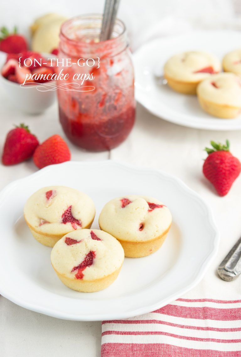 A grab and go pancake cup made in a muffin tin and stuffed with fresh strawberries via chelseasmessyapron #pancake #easy #breakfast #strawberry