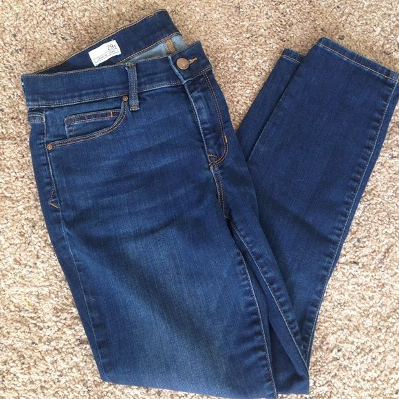 Gap legging jeans 29S good condition GAP Pants Skinny