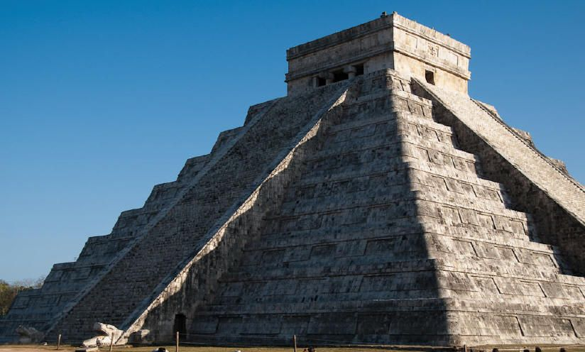 Chichen Itza Kukulcan S Pyramid At The Spring And Fall Equinoxes