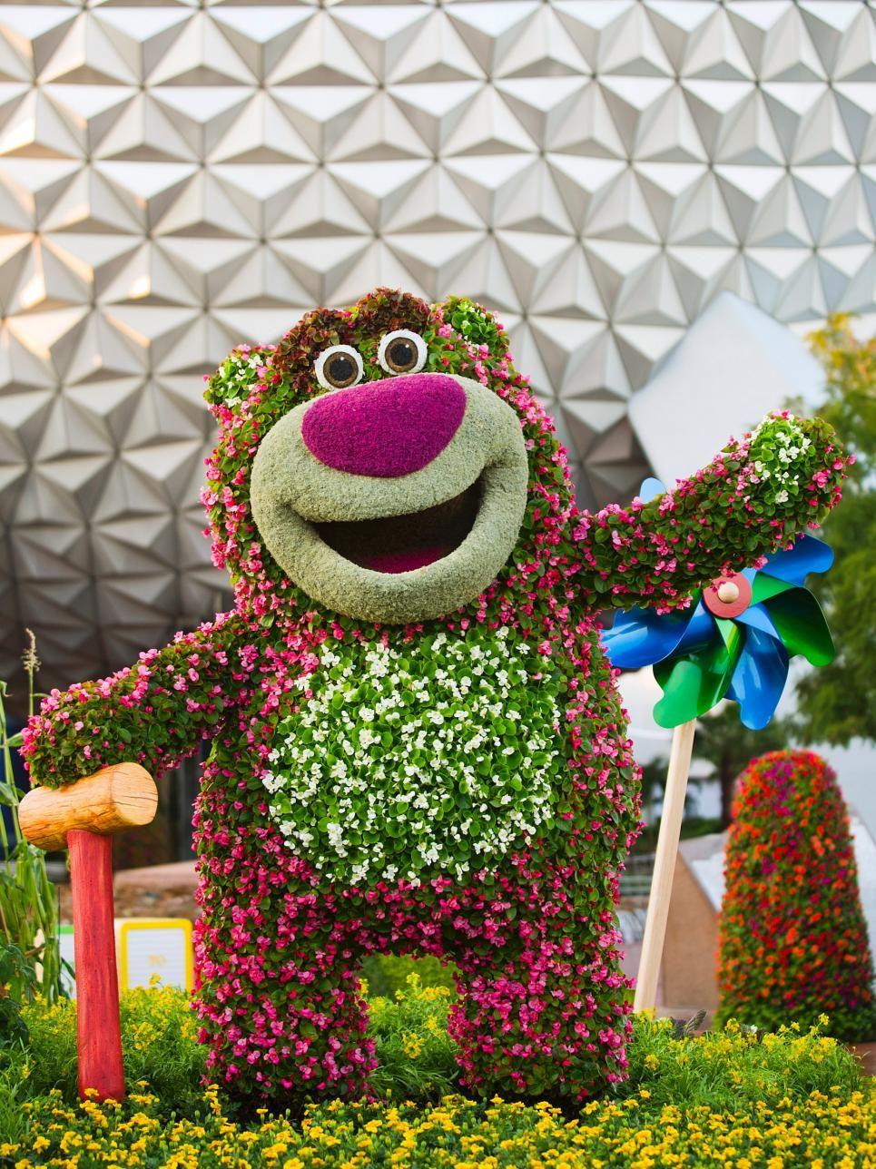 Disney Topiary Part - 28: Amazing Gardens: Disney In Living Color