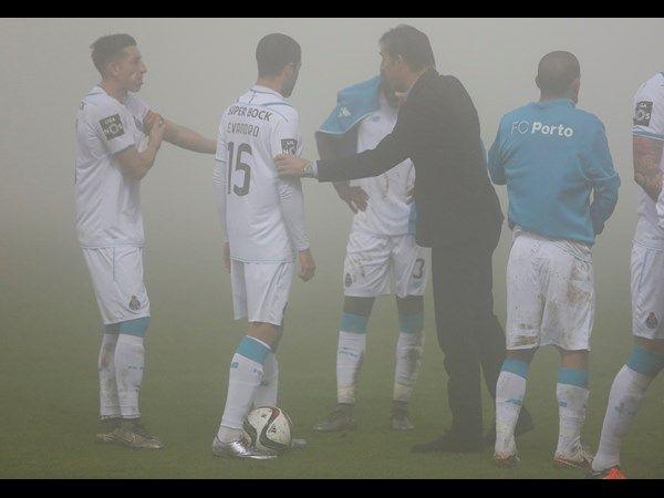 FC Porto - Nacional-FC Porto  E foi precisamente o espanhol a abrir o marcador, logo aos seis minutos (tratou-se do golo mais madrugador da época do FC Porto), com um toque de habilidade com o pé esquerdo, após canto de Layún. Poder-se-ia pensar que o golo marcado cedo seria uma grande vantagem para os portistas, mas o Nacional anulou-a logo no minuto seguinte, também na sequência de um pontapé de canto, em que Willyan apareceu solto ao segundo poste para cabecear.