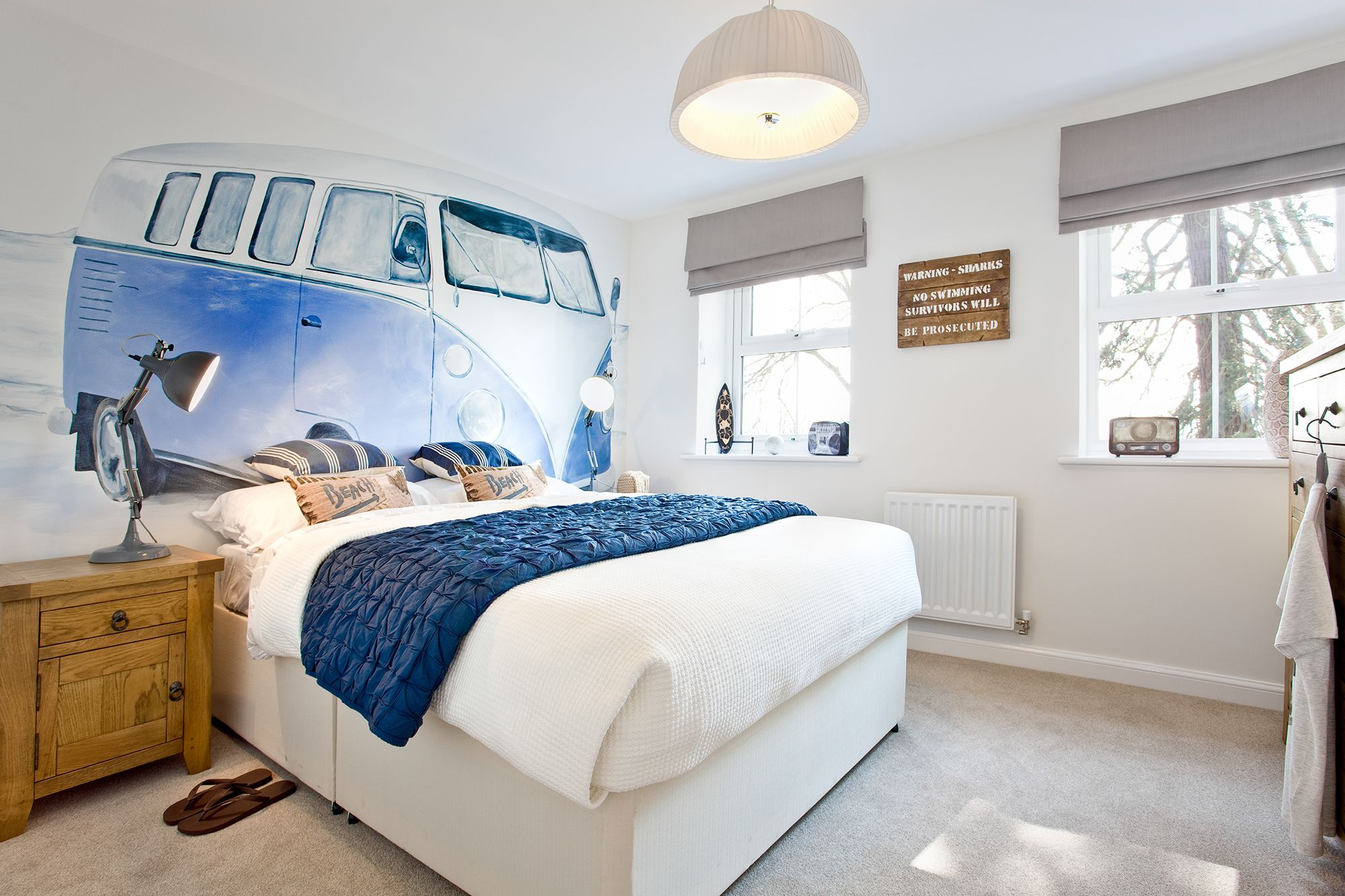 Best Vw Camper Wallpaper In The Bedroom Of The Canterbury At 400 x 300